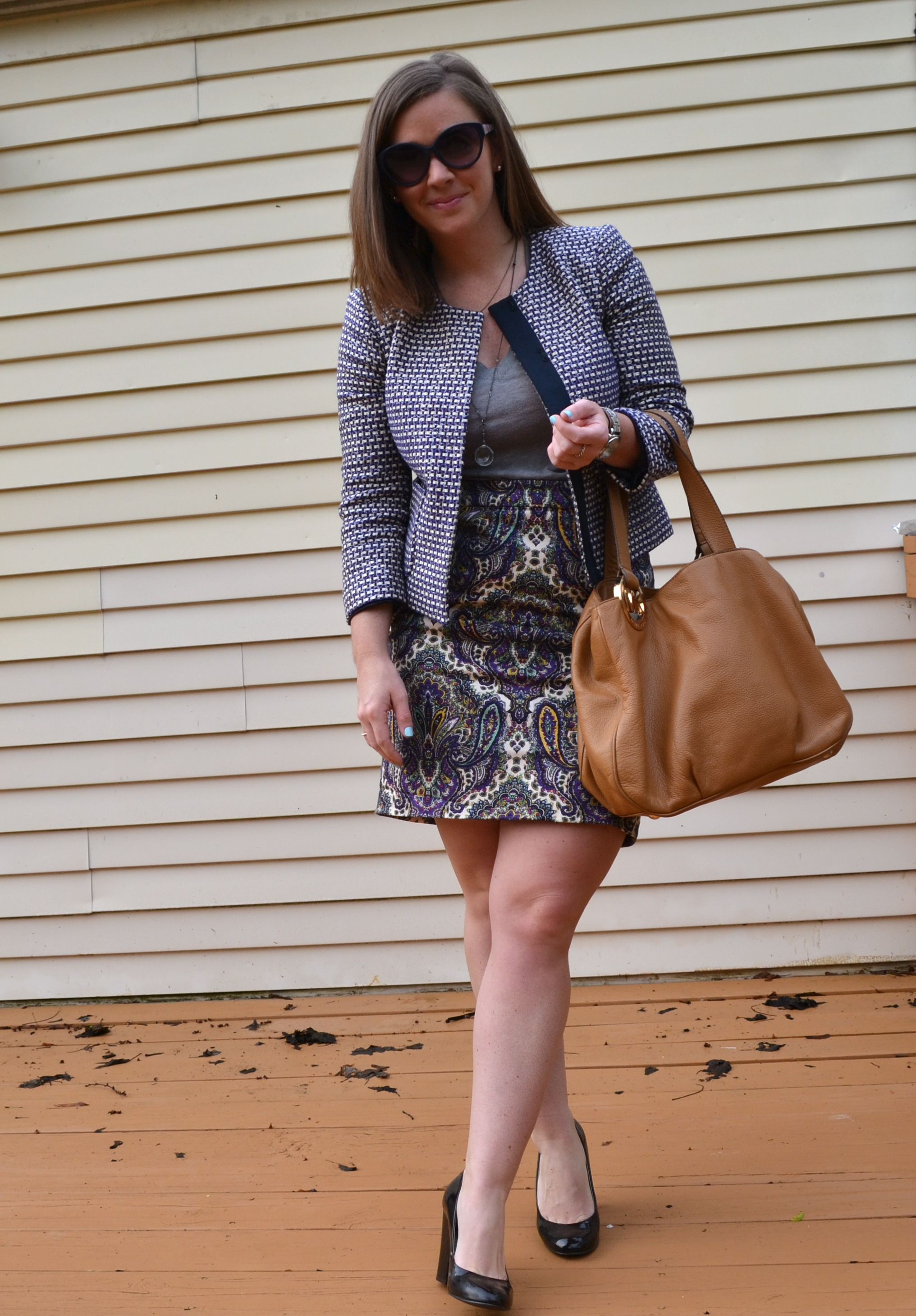 d8be774461 Skirt, J.Crew Factory (other colors and prints here)/ Tshirt, Forever21  (here or another option here)/ Tweed Jacket, J.Crew (purchased this fall  but similar ...